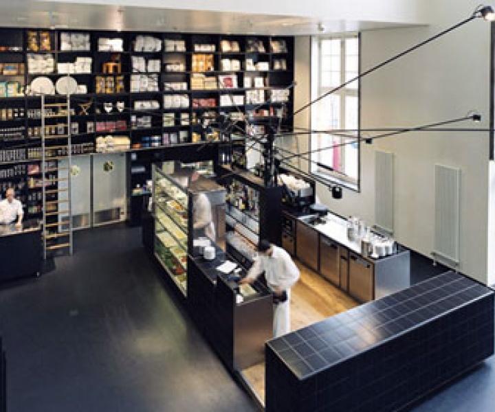 Lloydbar in Amsterdam re-designed