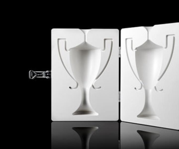 DesignNu award trophy by FUWL