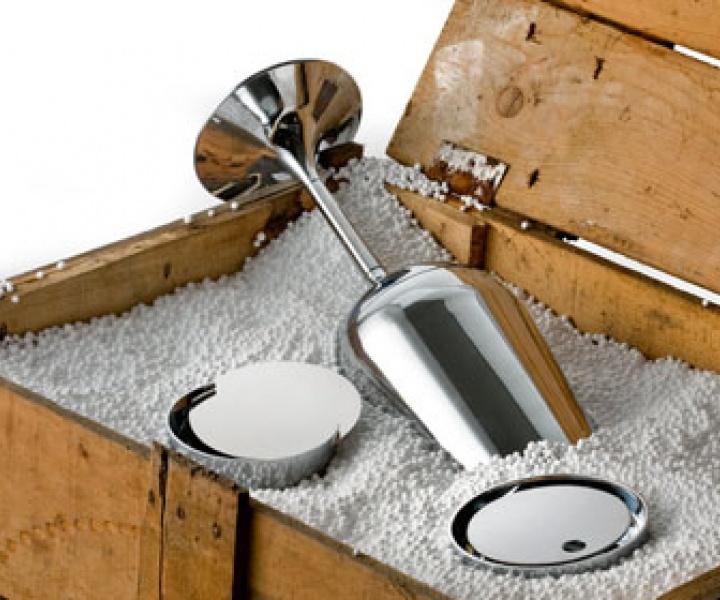 Bathroom accessories by Antonio Gardoni
