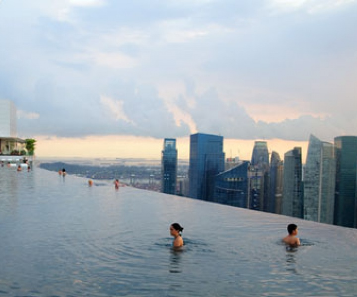 150-Meter Outdoor Infinity Pool // Marina Bay Sands