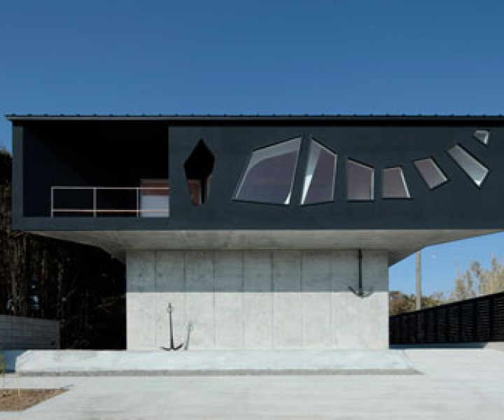 A House Awaiting Death by EASTERN Design Office
