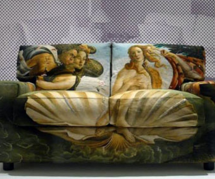 the Birth of Venus.. on a sofa