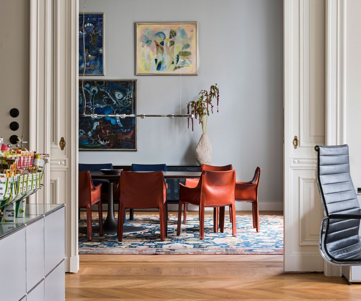 Gisbert Pöppler Masterfully Balances Tradition & Modernity in a Period Apartment in Berlin