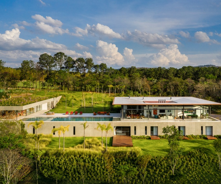 A Modernist House in Brazil Discretely Embraces the Surrounding Tropical Nature