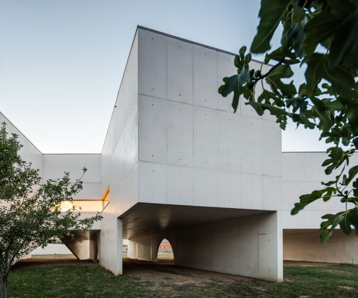 Along the River: The Nadir Afonso Foundation by Álvaro Siza Vieira
