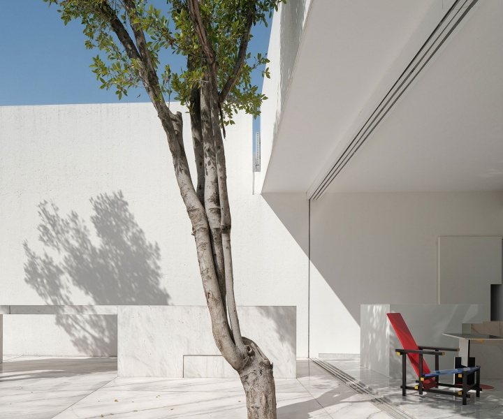 A Minimalist Residence in Mexico City Revels in Geometric Abstraction