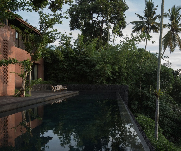 """Traditional Balinese Living Meets Understated Luxury in Maximilian Jencquel's """"House of Dawn"""""""