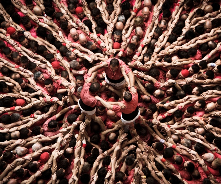 David Oliete Documents The Feats Of Catalonia's Human Tower Builders