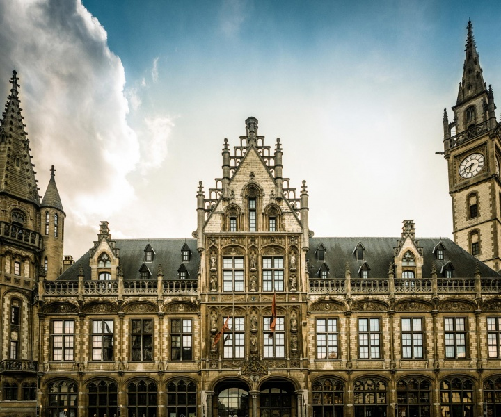 In Ghent, an 1898 Post Office Turns Into a Magnificent Hotel