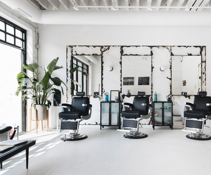 Day and Night: Blind Barber Serves Both in Chicago's Fulton Market District