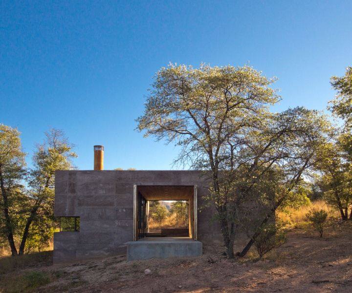 Off-Grid in Arizona: Casa Caldera by DUST Architects