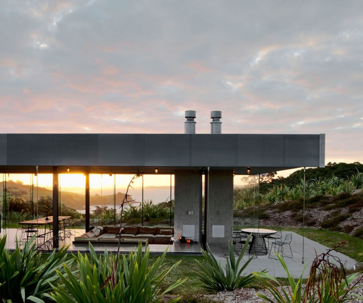 Island Retreat By Fearon Hay Architects In Waiheke Island, New Zealand