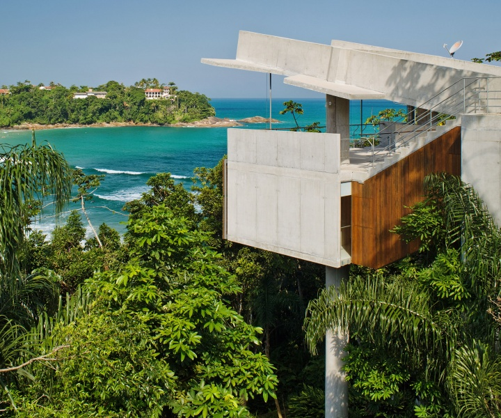 Living Under the Sun: Architecture in the Tropics by Gestalten