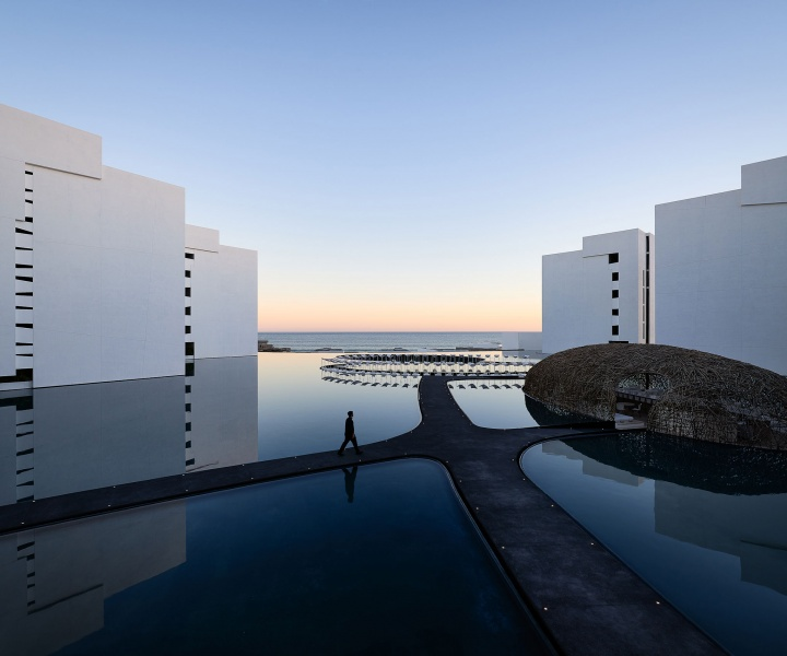 White Mirage Out at Sea: the Stunning Mar Adentro Hotel in Mexico