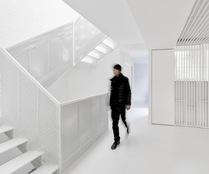 White House: a Hutong House Renovation in Beijing by Arch Studio