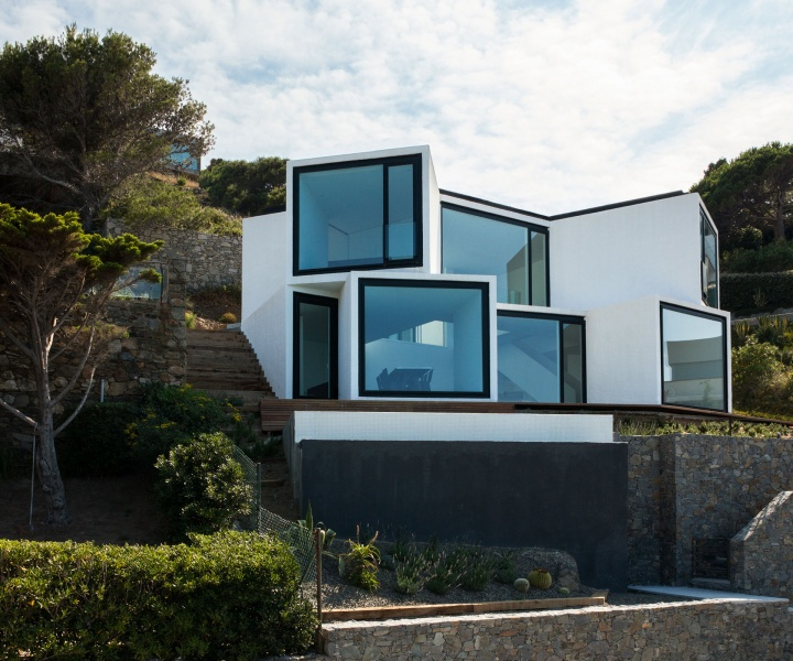 Sunflower House: Chasing the Sun Above the Mediterranean Sea