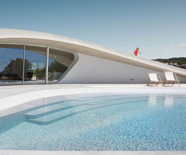 A New Kind of Greek: Villa Ypsilon by LASSA Architects in Messenia