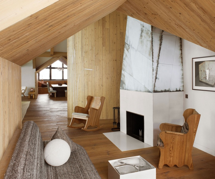 The Avant-Garde meets the Rustic in Pierre Yovanovitch's Alpine Penthouse