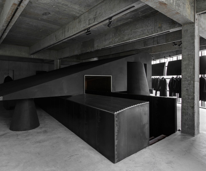 Black Canvas: HEIKE Concept Store by AN Interior Design