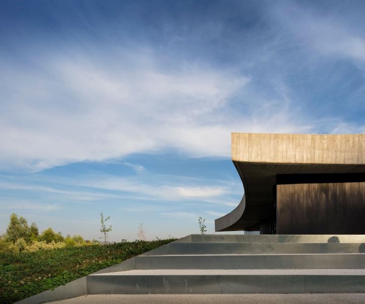 Fluid Angles: Casa Cabo de Vila by Spaceworkers Arquitectura/Design