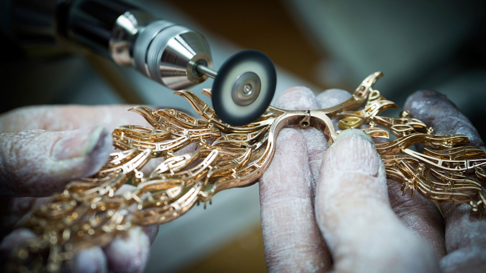 The Golden Hands of Van Cleef & Arpels | Yatzer