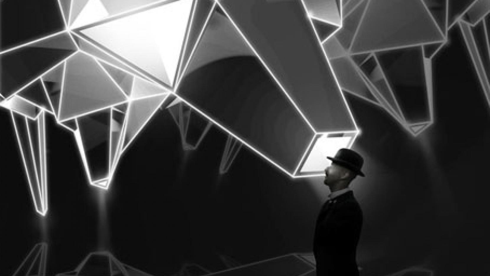 Mister X - a journey inside the material | Yatzer