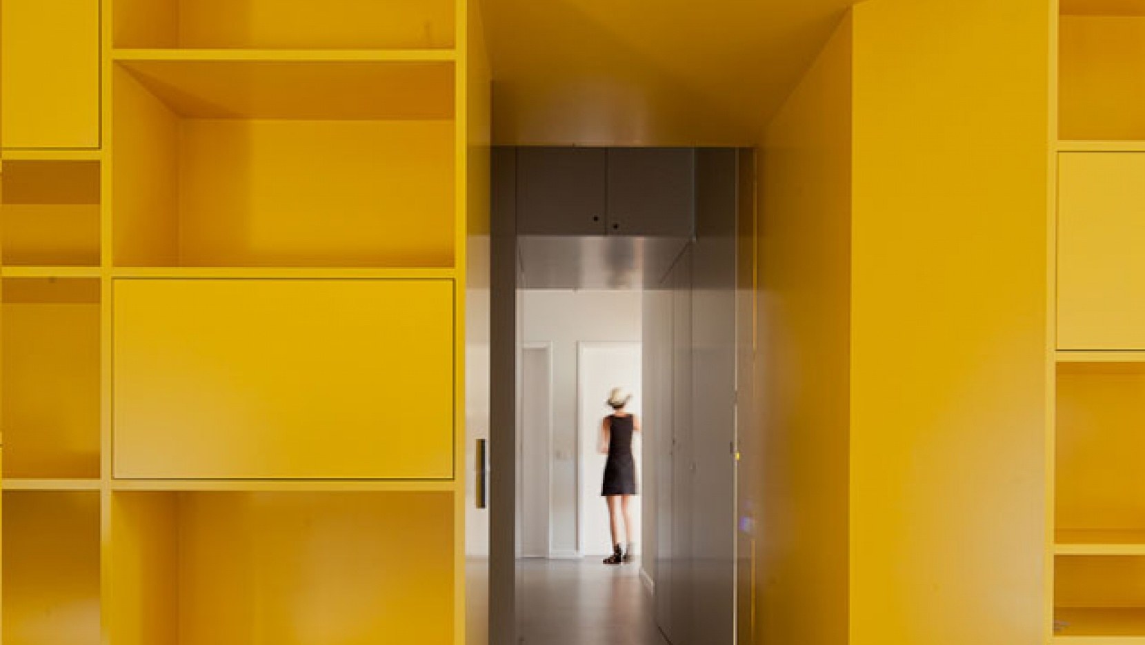 The ''Yellow'' Renovation by Pedro Varela & Renata Pinho ...