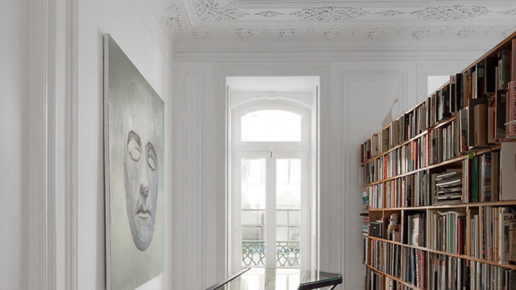 Três Marias Loft in Lisbon by AVA Architects