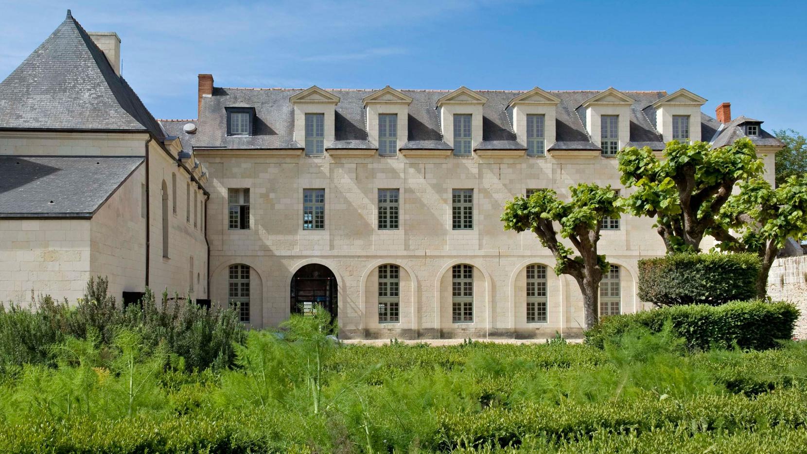 The abbaye de fontevraud hotel in anjou france yatzer - Hotel abbaye de fontevraud ...