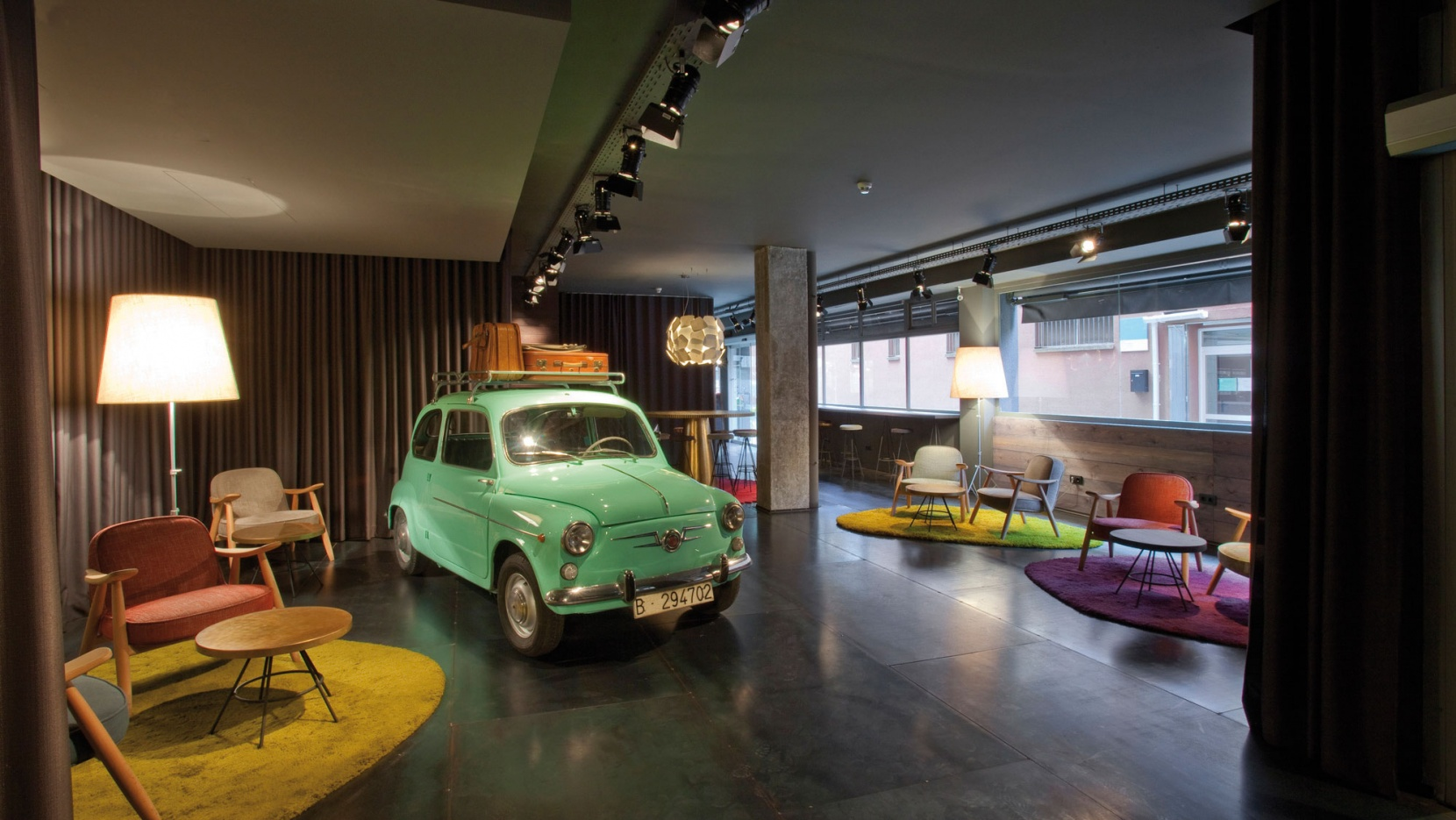 Chic basic ramblas hotel by lagranja design in barcelona for Design hotel barcelona