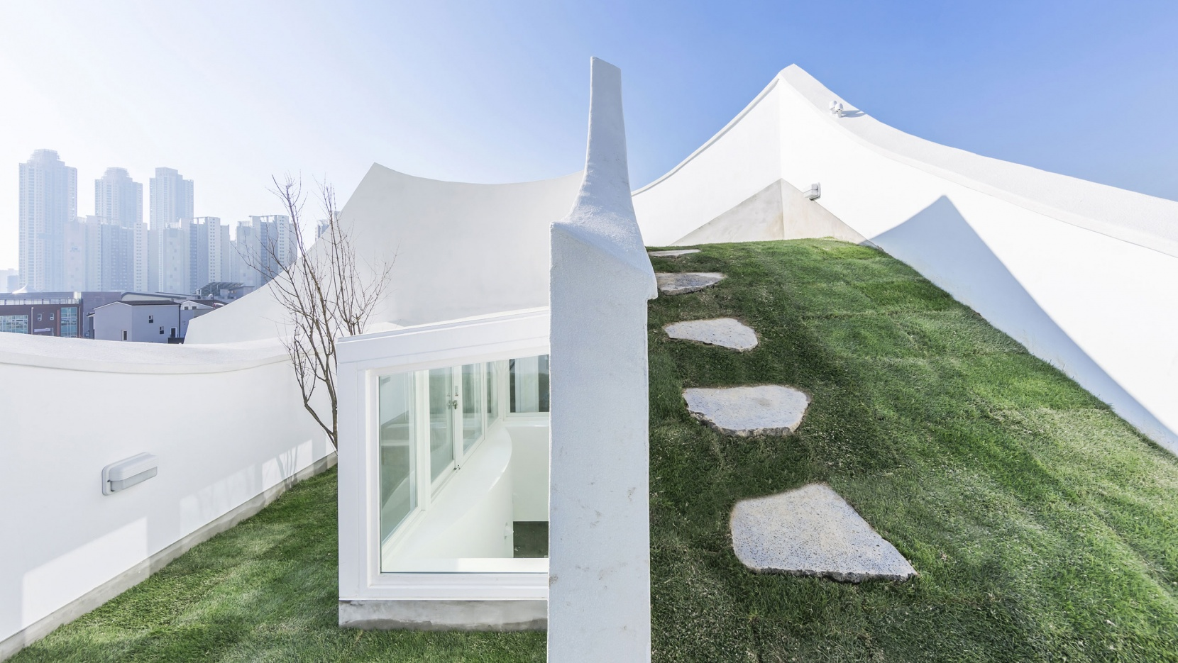 the flying house by iroje khm architects has landed near