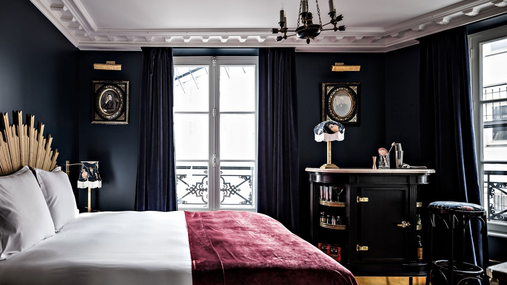 the hotel paris Hotel le saint is a charming and elegant paris hotel in the heart of the saint-germain des pres district official website, best available rates.