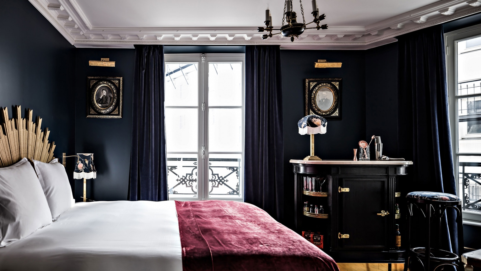 a velvet stroke at the h tel providence paris yatzer. Black Bedroom Furniture Sets. Home Design Ideas