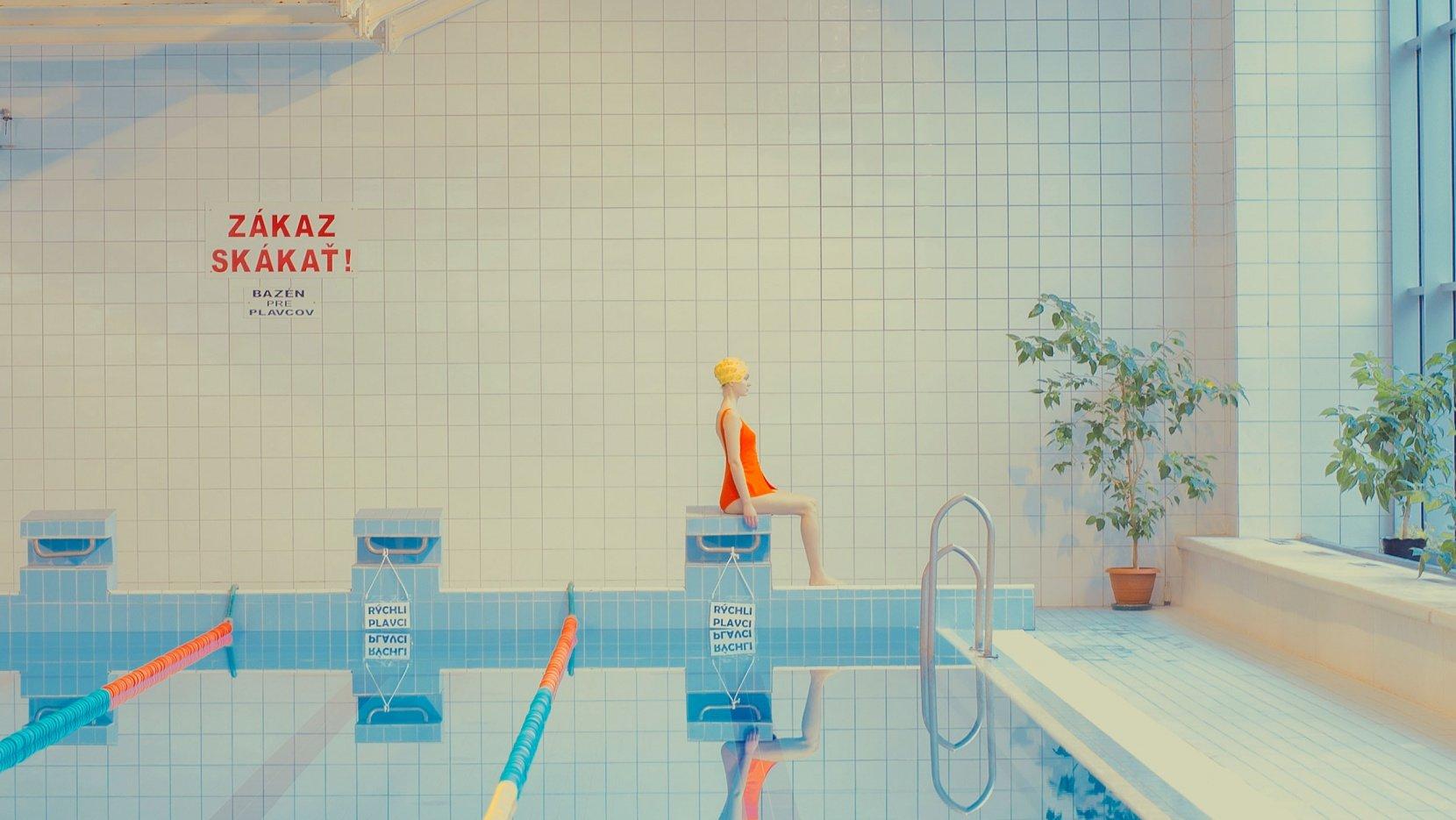 p1_maria_svarbova_plants_and_swimmer_yat