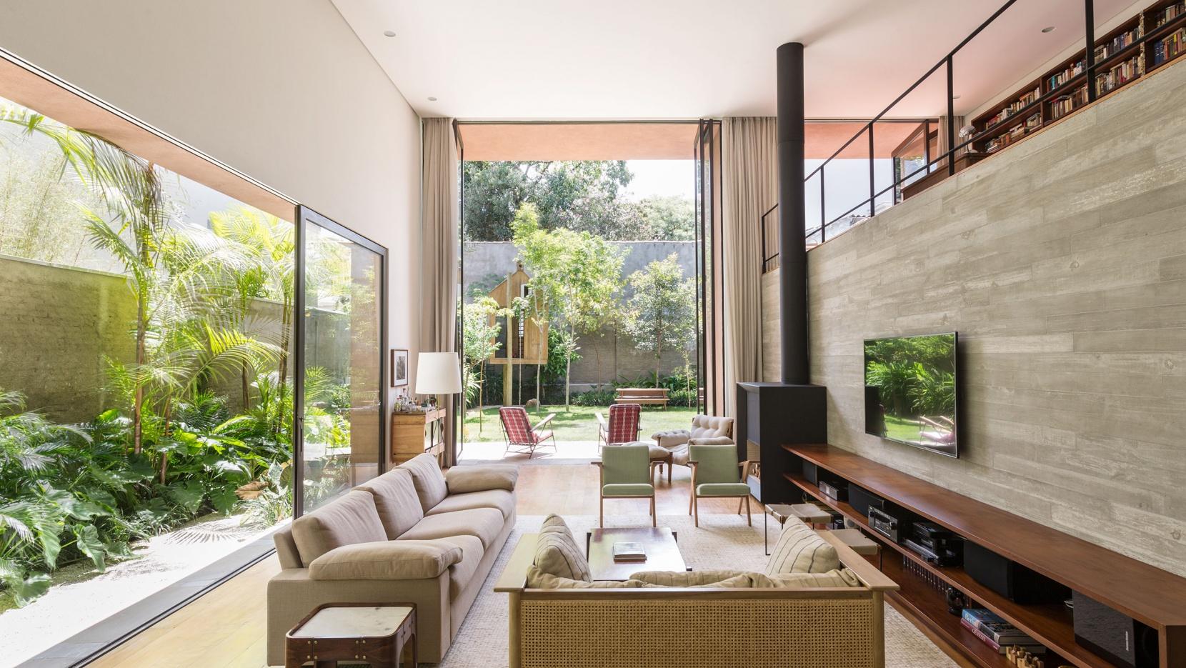 Casa Pinheiros: Contemporary Modernism In The Subtropics