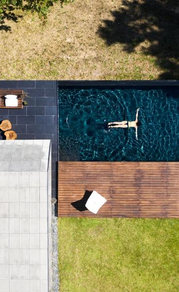 Hugo Pereira Arquitetos Imbue Concrete with Lightness in Casa dos Sobreiros in Portugal