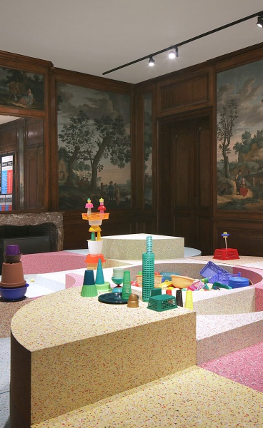 Kleureyck at Design Museum Gent: A Kaleidoscopic Exhibition Connects Past & Present Through Colour