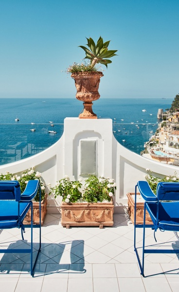 The Old-World Charm & Timeless Allure That Makes Le Sirenuse Hotel the Toast of Positano