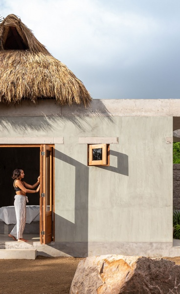 A Concrete Bungalow on Mexico's Pacific Coast Revels in the Local Vernacular