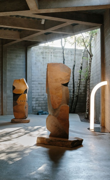 Objects of Common Interest Gets Intimate with Isamu Noguchi at his Eponymous Museum