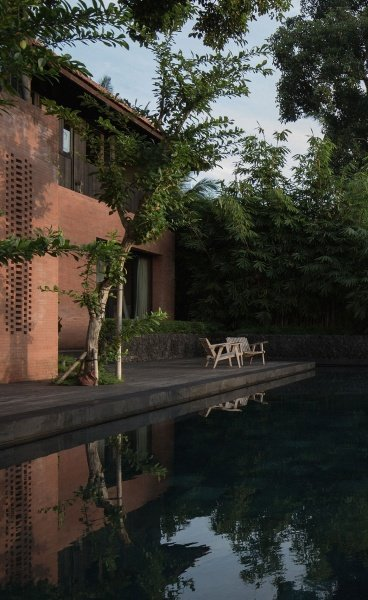 "Traditional Balinese Living Meets Understated Luxury in Maximilian Jencquel's ""House of Dawn"""