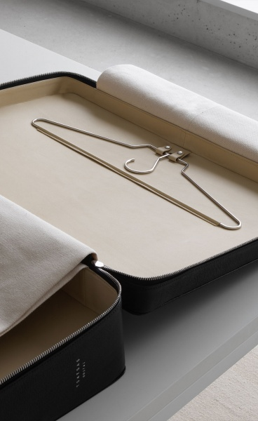 David Chipperfield & Tsatsas Join Forces to Design an Impeccable SUIT-CASE for Mindful Travellers