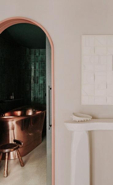 Szymon Keller Applies a Beach-Inspired Sculptural Design Language to a Barcelona Apartment