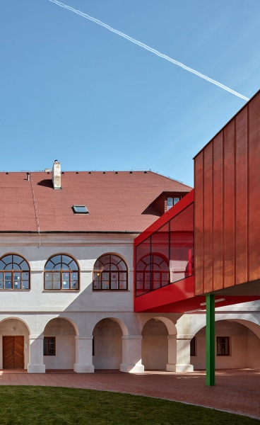 Public Atelier & FUUZE Transform a Baroque Rectory in Czechia into a Playful Elementary School