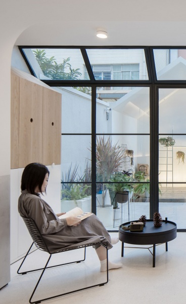 A Family House of Playful Modularity and Minimalist Elegance in Shanghai