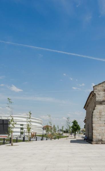 The Sculptural Symbolism of the New Church of Santiago de Antas