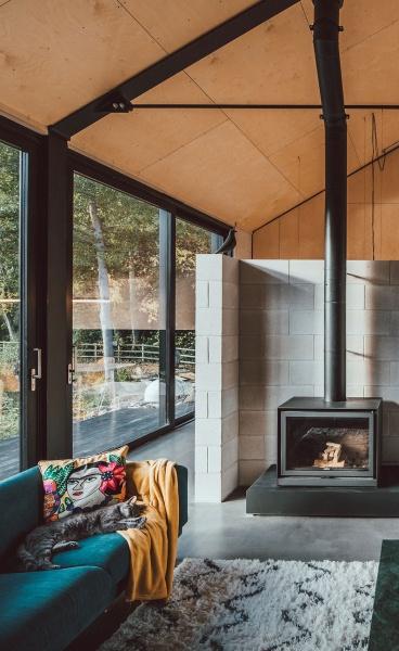 Corn Yard: Twin Brothers Nik & Jon Daughtry's Self-Build Homes of Industrial Elegance