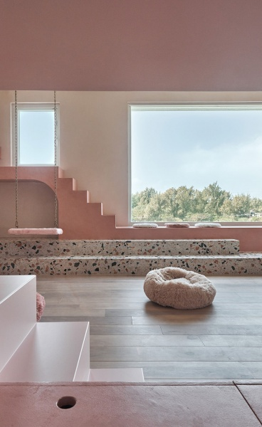 A Candy-Coloured Holiday House by KC Design Studio Welcomes Humans and Felines Alike