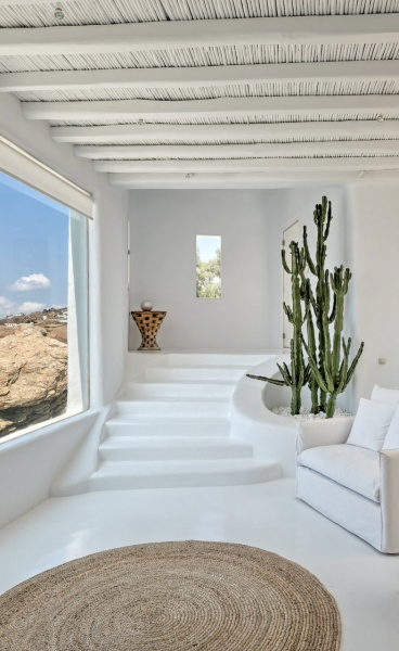 Ensconced in Kinglike Comfort, Mykonos Hasn't Looked as Ravishing
