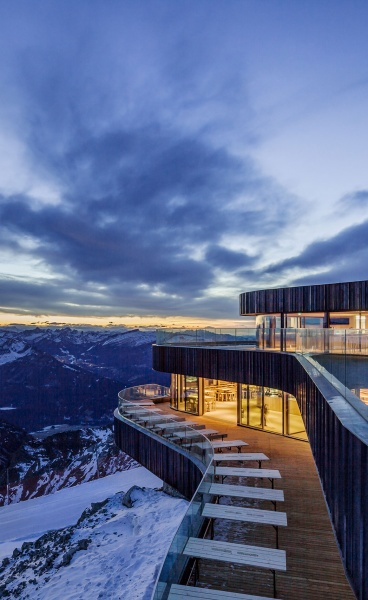 The Alpine Modernism of Nebelhorn Summit Restaurant